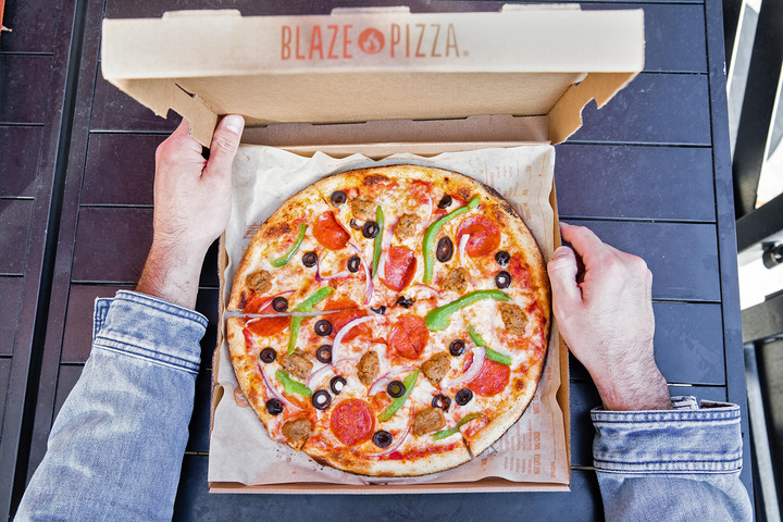 The Blaze Pizza cheese pizza is just one of their many awesome offerings.