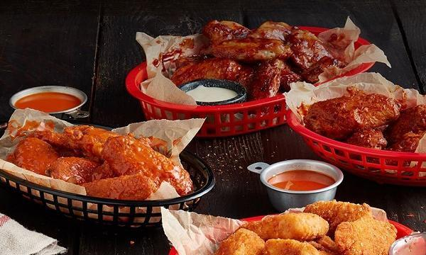 The Pizza Hut wings are a must-try.