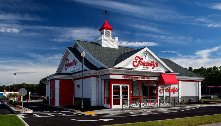 Friendly's restaurant from outside during the day, where there are soon to be Friendly's fundraisers