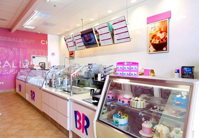 Interior of a Baskin Robbins location, where you can hold Baskin Robbins fundraisers