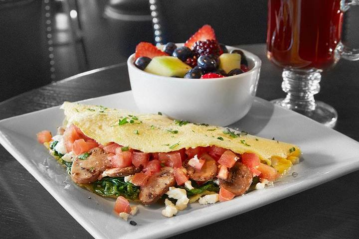 The Bar Louie brunch is just one of their many awesome offerings.