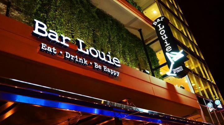 With over 130 restaurants across the country, you're sure to find Bar Louie locations near you.